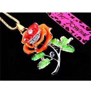 Betsey Johnson Flower Necklace 🆕🌿🆕🌿